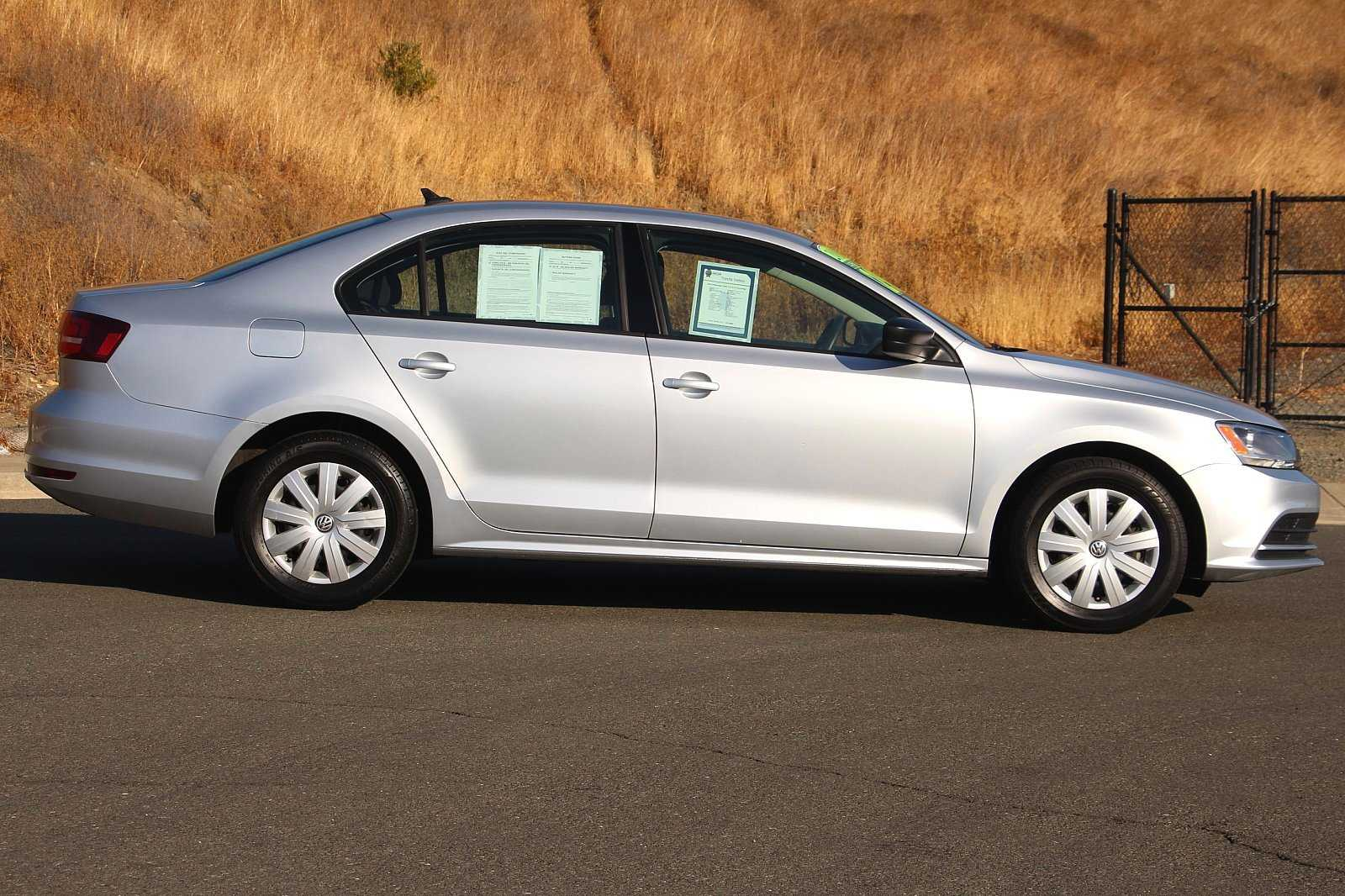 Pre-Owned 2016 Volkswagen Jetta 1.4T S 4D Sedan