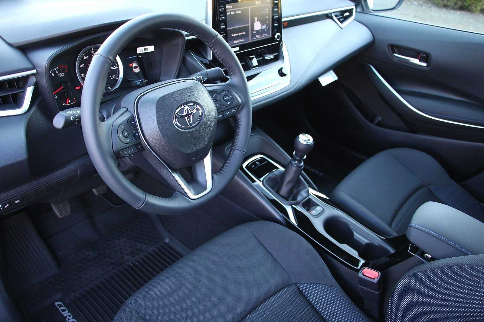New 2020 Toyota Corolla 6-Speed Manual SE
